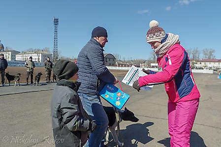 Награждается Савченко В.с Югрой